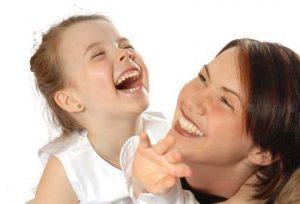 Îndemnizaţii mai mari pentru îngrijirea copiilor
