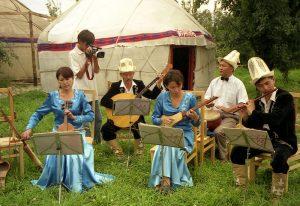Oaspeţi din Kîrgîstan în raionul Floreşti