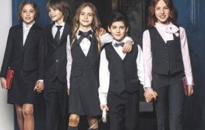 Codul vestimentar şcolar