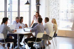 Şedinta de supervizare în grup mare cu asistenţii sociali
