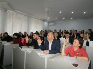 Consilierii raionali s-au întrunit în şedinţă extraordinară la final de an